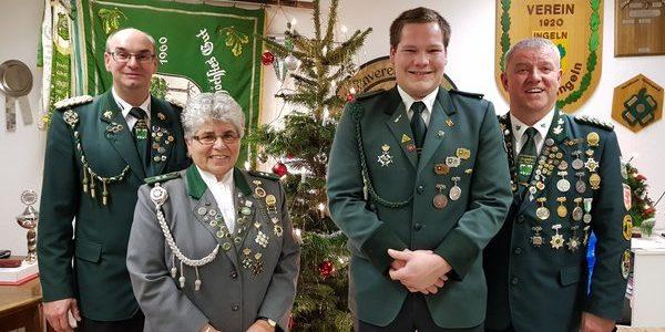 1. Vorsitzender Andreas Aue, Winterkönigin Dorle Langenberg, Winterkönig Christoph Warnecke, Oberschießsportleiter Uwe Klokow (von links)