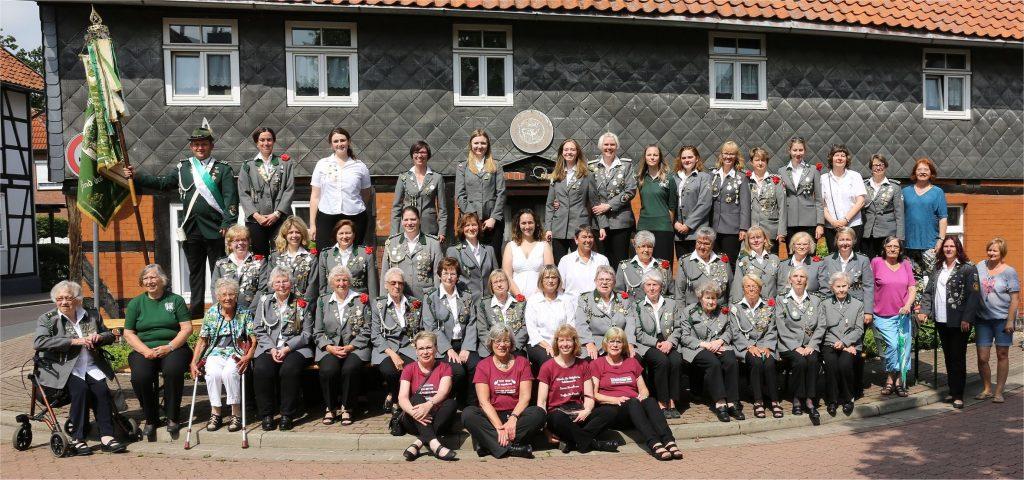 Gruppenfoto unserer Damenabteilung aus dem Jahr 2019 anlässlich unseres 100-jährigen Jubiläums