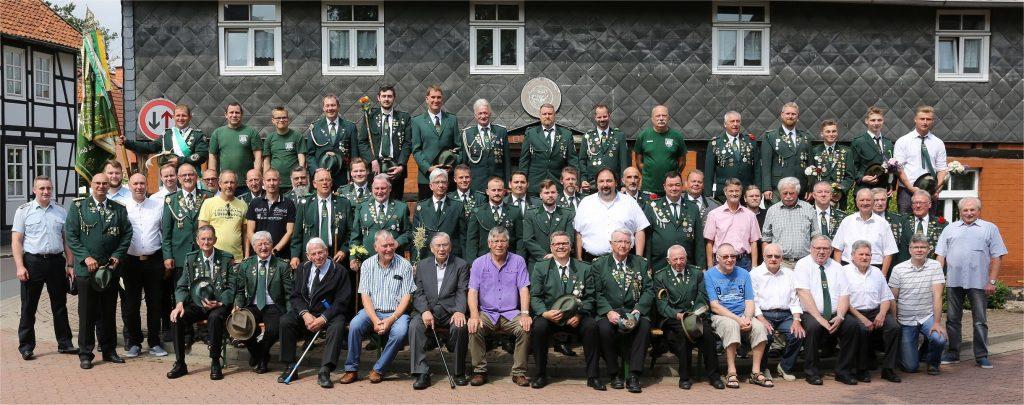 Gruppenfoto unserer Herrenabteilung aus dem Jahr 2019 anlässlich unseres 100-jährigen Jubiläums