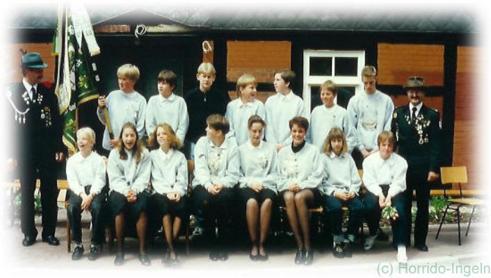 Gruppenfoto unserer Jugendabteilung aus dem Jahr 1995 anlässlich unseres 75-jährigen Jubiläums