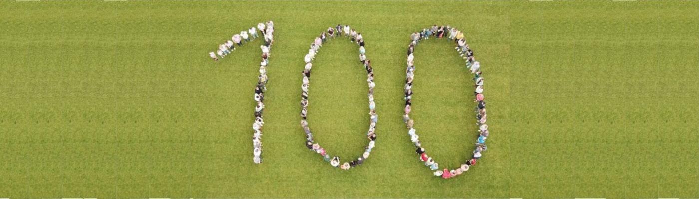Menschen bilden eine 100